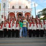 Prefeito Mauro Henrique parabenizou o maestro e os coristas pela bela apresentação